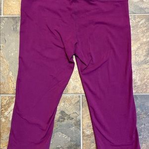 Athleta Pants - Athleta Capri legging size LT